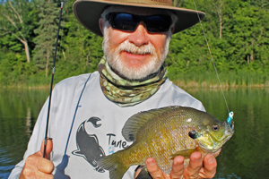 IMAGE GREG CLUSIAU WITH BIG BLUEGILL