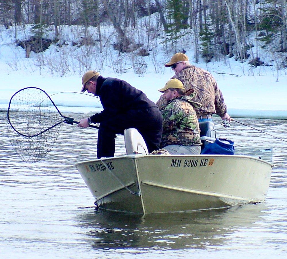 Archive fish rep dec 05 thru mar 06 for Rainy lake fishing