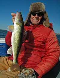 image of Bob Carlson with Leech Lake Walleye